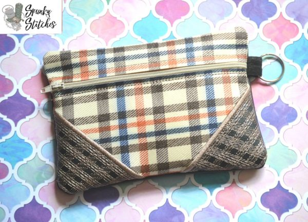 corner Plaid zipper bag in the hoop embroidery file by spunky stitches