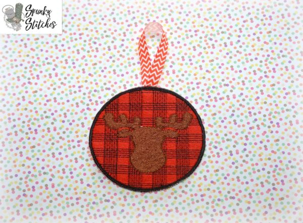 Moose Plaid Ornament toilet paper wrap in the hoop embroidery file by spunky stitches