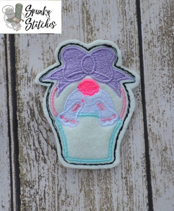 bunny basket feltie in the hoop embroidery file by Spunky stitches