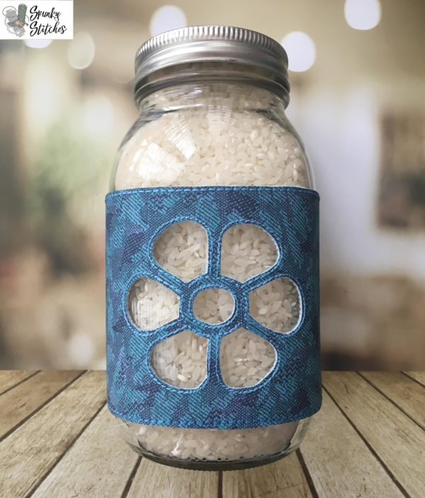 daisy jar wrap in the hoop embroidery file by Spunky stitches