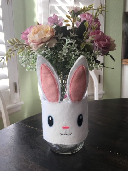 rabbit jar wrap in the hoop embroidery file by Spunky stitches