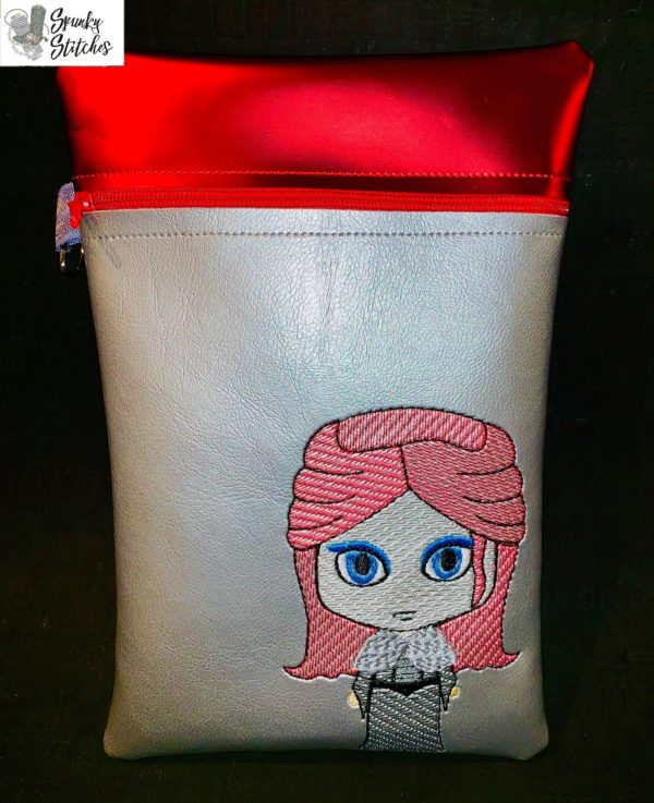Sansa Zipper Bag in the hoop embroidery file by Spunky stitches