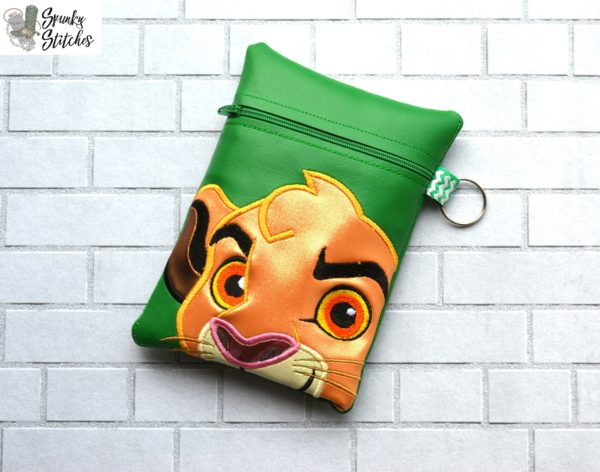 simba zipper bag in the hoop embroidery file by Spunky stitches
