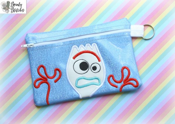 sporky zipper bag in the hoop embroidery file by Spunky stitches